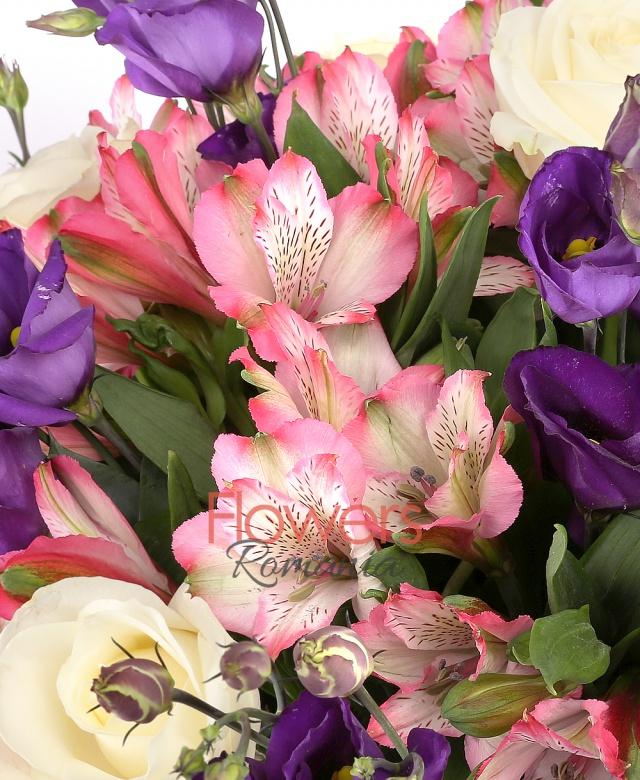 5 trandafiri albi, 7 lisiantus mov, 5 alstroemeria roz