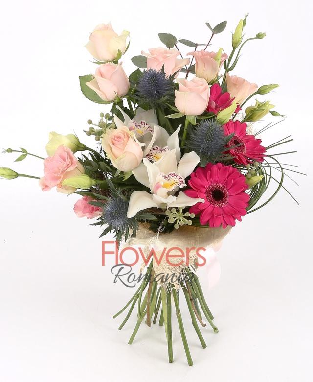 5 pink roses, 2 eryngium, 3 gerbera, 1 white cymbidium, 2 pink lisianthus