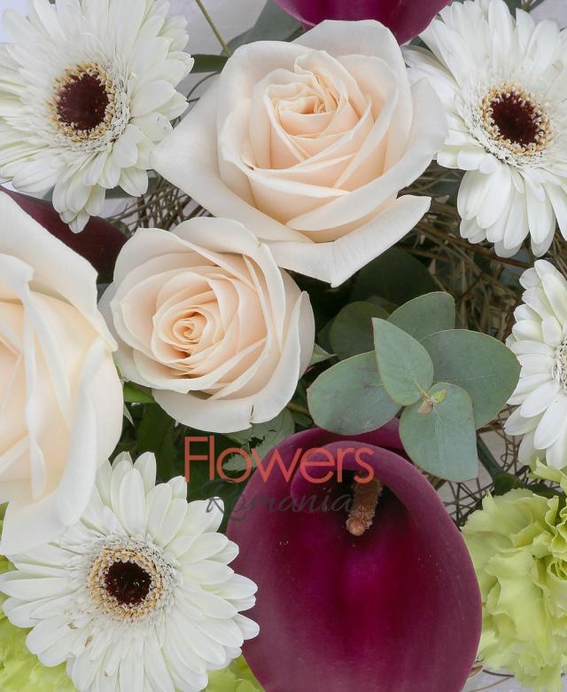 3 beige roses, 3 cala, 4 white gerbera, 3 green carnatio, greenery