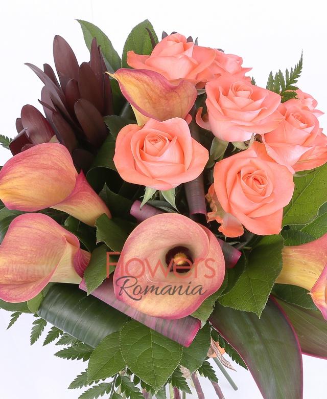 7 trandafiri portocalii, 5 cale portocalii, 5 leucadendron, salal, aspidistra