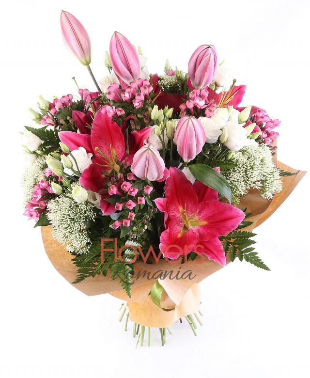 7 bouvardia roz, 2 crini roz, 5 trahelium alb, 5 lisiantus alb